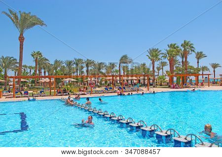 Hurghada / Egypt. 01 August 2018:tropical Resort In Egypt. Swimming Pool With Light Blue Water Palm