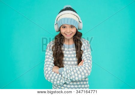Musical Suggestions For Playlist. Winter Music Activity. Happy Girl Enjoy Winter Playlist. Music Moo