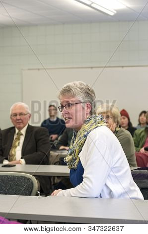 Inver Grove Heights, Mn/usa -january 26, 2020: Citizen Speaks To Attendees At Town Hall Meeting Abou