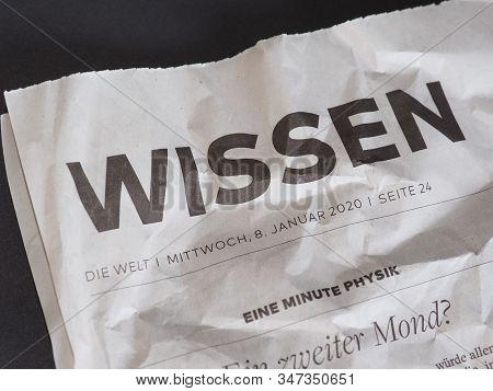 Hamburg - Jan 2020: Wissen (knowledge) On Die Welt