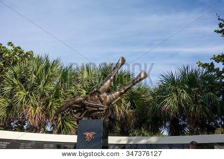 Ft. Pierce,fl/usa-1/27/20: The Navy Seal Memorial Statue Of A Frogman With The Names Of Those Seals