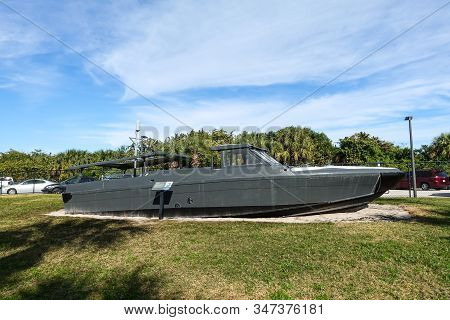 Ft. Pierce,fl/usa-1/27/20: A Navy Seals Seafox Special Warfare Craft Designed For Easy Water Entry T