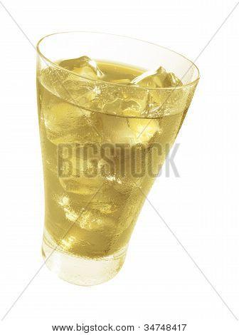 Orangenlimonade mit Eis