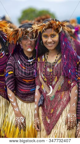 Indonesia, Papua New Guinea, Wamena, Irian Jaya, 20 August 2018: Two Woman Of A Papuan Tribe In A Be