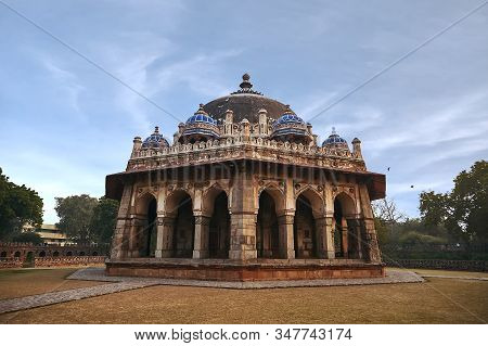 Isa Khans Tomb In Humayuns Tomb Complex, New Delhi, India.