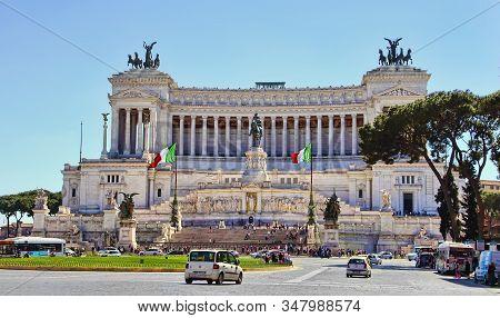 Rome, Italy - Apri 11, 2018: Piazza Venezia And Monumento Nazionale A Vittorio Emanuele Ii Or