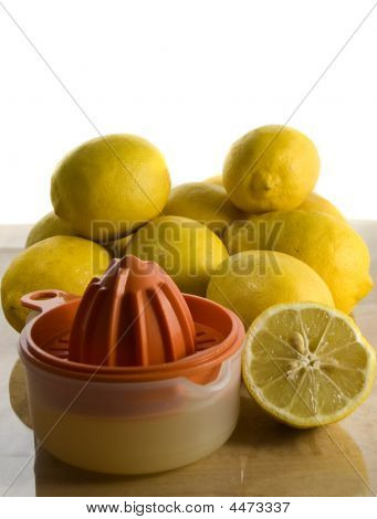 Organic Lemons And Juicer