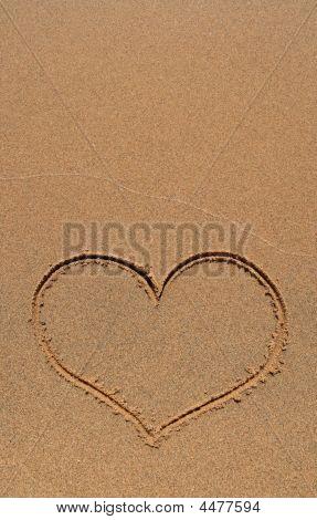 Herzen Zeichnung in Sand, mit textfreiraum