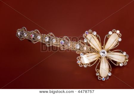 Hairpin Brown Background