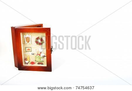half closed keyholder with frame