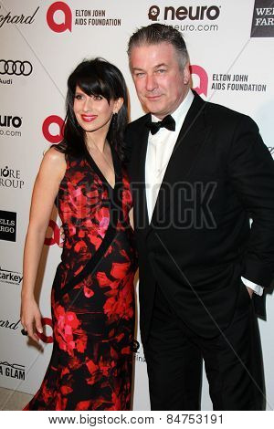 LOS ANGELES - FEB 22:  Hilaria Baldwin, Alec Baldwin at the Elton John Oscar Party 2015 at the City Of West Hollywood Park on February 22, 2015 in West Hollywood, CA