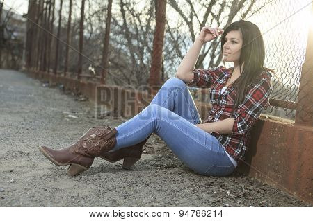 Woman sit on the ground
