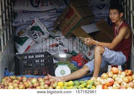 Coc Ly, Vietnam, October 25, 2016 : Selling Fruits On The Back Of A Truck On Tuesday Market Of Coc L