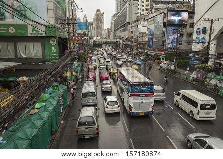 BANGKOK THAILAND - OCT 2 : traffic jam on Petchaburi Road in rainning day in Pratunam area on october 2 2016 thailand.