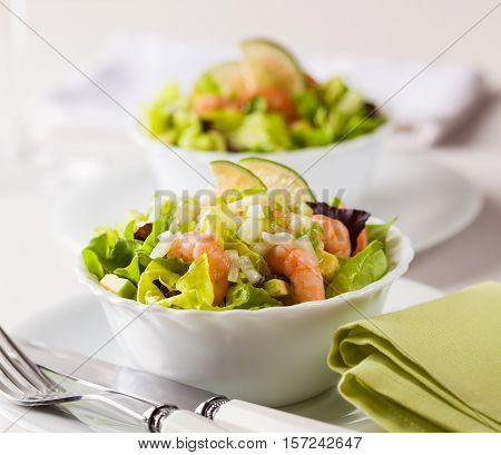 Prawn salad with avocado and lime dressing