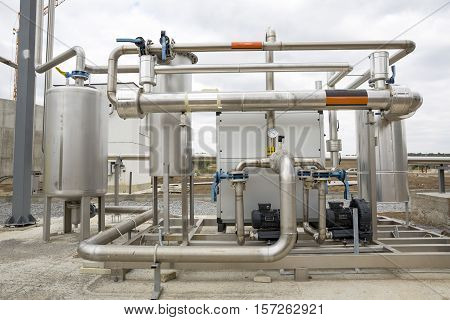 Natural Gas Tank Pipelines