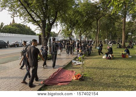BANGKOK THAILAND - OCT 23 : The mourners on Sanam Chai road on the way to Sanam Luang while the funeral of king Bhumibol Adulyadej in Grand Palace on october 23 2016
