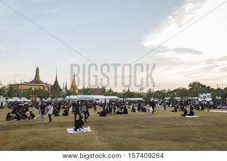 BANGKOK THAILAND - OCT 28 : the mourners at south of Sanam Luang while the body of Thailand Bhumibol Adulyadej keep in Grand Palace on october 28 2016