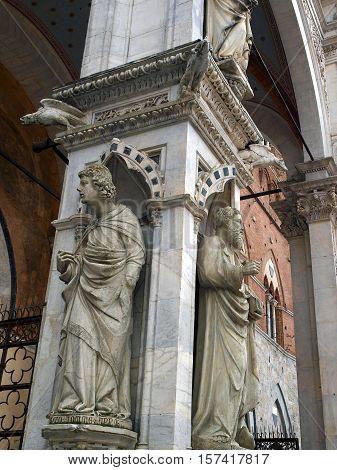Siena - wonderfully decorated Capella di Piazza at Palazzo Pubblico and Sansedoni Palace