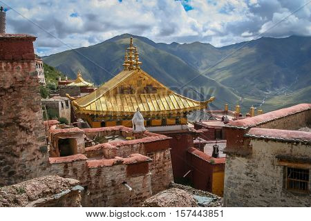 Golden rooftop of a building inside the tibetan  Gyantse monastery complex near Lhasa in central Tibet.