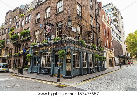 LONDON UK - 8TH OCTOBER 2016: The outside of Shepherds Tavern Pub in Mayfair London during the day