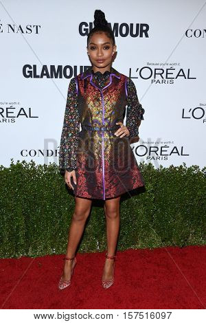 LOS ANGELES - NOV 14:  Yara Shahidi arrives to the Glamour Celebrates Women of the Year Awards 2016 on November 14, 2016 in Hollywood, CA