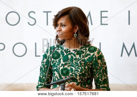 NEW YORK-MAY 5: First Lady of the United States Michelle Obama at the Anna Wintour Costume Center Grand Opening at the Metropolitan Museum of Art on May 5, 2014 in New York City.