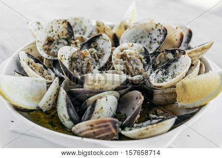 garlic white wine steamed clams seafood portuguese tapas simple snack