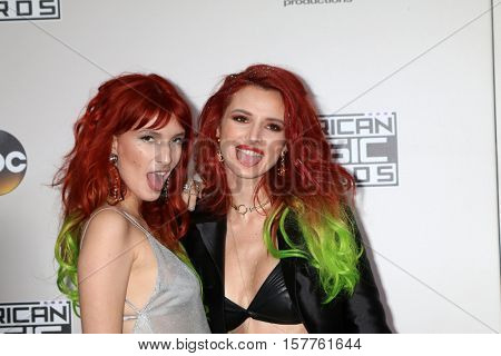 LOS ANGELES - NOV 20:  Dani Thorne, Bella Thorne at the 2016 American Music Awards at Microsoft Theater on November 20, 2016 in Los Angeles, CA