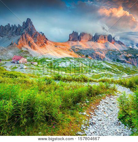 Rifugio Lacatelli In National Park Tre Cime Di Lavaredo.