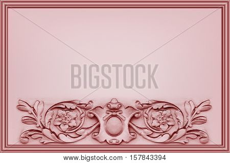 horizontal pink background decorated with a bas-relief