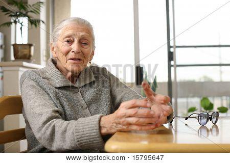 Senior Woman zuhause
