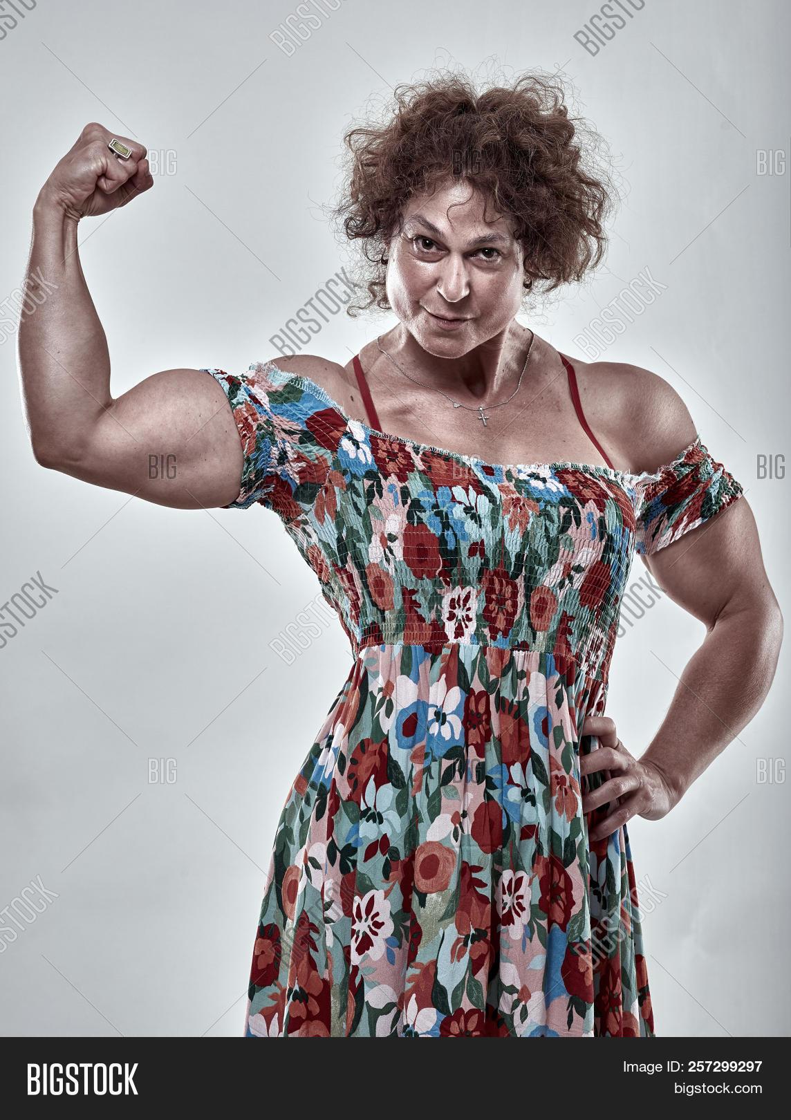 Mature muscle girls