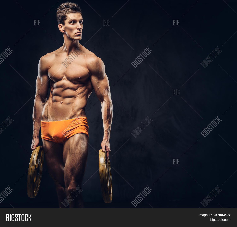 naked bodybuilding