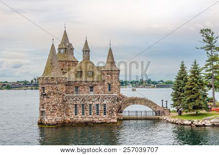 Kingston,canada - June 24,2018 - View At Power House On Heart Island On Us Territory Of Thousand Isl