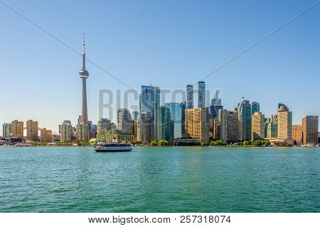 Toronto,canada - June 25,2018 - View At The Toronto Downtown From Ontario Lake. Toronto Is The Capit
