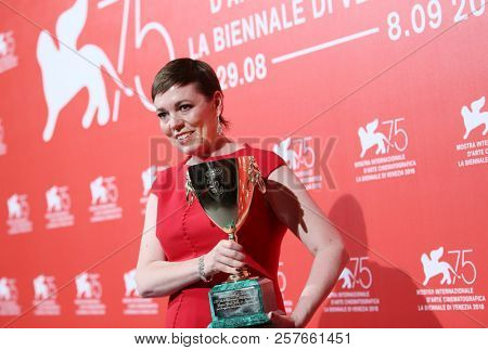 Olivia Colman poses with the Coppa Volpi for Best Actress Award for 'The Favourite' at the Winners Photocall during the 75th Venice Film Festival on September 8, 2018 in Venice, Italy.