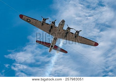 Eden Prairie, Mn - July 16 2016: B-17g Bomber Yankee Lady Flies Directly Overhead At Air Show. This