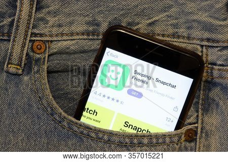 Los Angeles, California, Usa - 24 March 2020: Swiping - Snapchat Friends App Logo On Phone Screen In