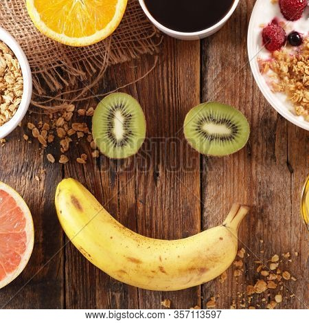 smile,happy face concept with fruits