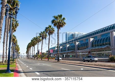 San Diego, California/usa - March 21, 2020:   The Bayside San Diego Convention Center Along Harbor D
