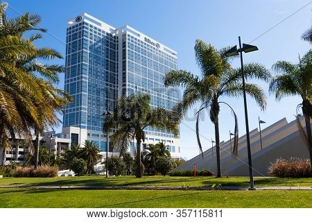 San Diego, California/usa - March 21, 2020:   San Diego Hilton Bayfront Hotel, Surrounded By Palm Tr