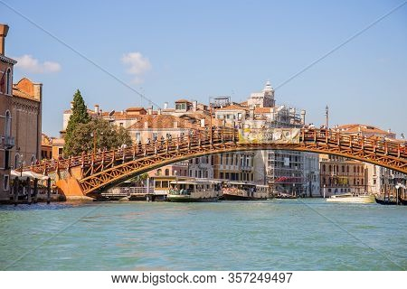 Venice, Italy - September 9, 2019: Ponte Dell Accademia Bridge On Grand Channel With Boats In Venice