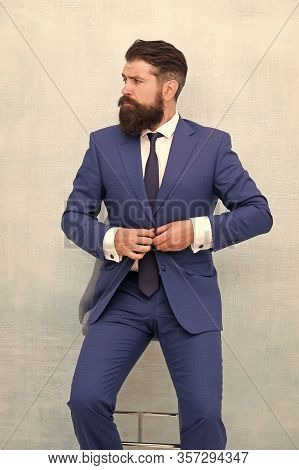 Bring Chic And Fashionable Tone To Office Wear. Bearded Man Button Fashionable Suit Jacket. Fashiona