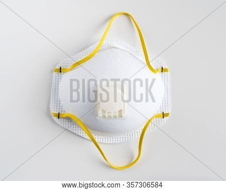 Industrial Safety N95 Face Mask, Protection Respirator And Breathing Medical Respiratory Mask.