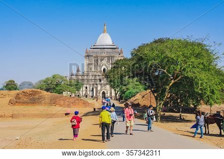 Bagan, Myanmar - January 21: 2019.unidnetified People Come To Visit And Make Merit At Thatbyinnyu Te