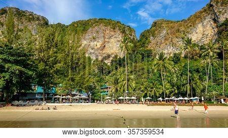 Krabi/thailand - 02.20.2019: Pai Plong Beach Near Ao Nang Town In Krabi, Thailand. Tourists On A Tro