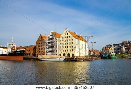 Gdansk, Poland, April 15, 2018: National Maritime Museum Building With Ship, Boat And Yacht On Motla