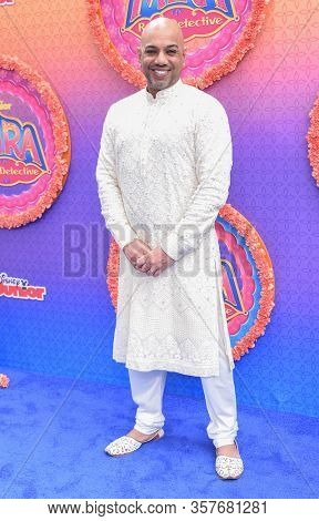 LOS ANGELES - MAR 07:  Choreographer Nakul Dev Mahajan arrives for 'Mira, Royal Detective' World Premiere on March 07, 2020 in Burbank, CA