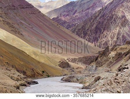Lamayuru Moonland - Picturesque Lifeless Mountain Landscape On A Section Of The Leh-kargil Route In